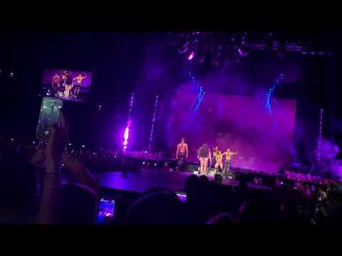NICKI MINAJ   FEFE [Live at Paris Nicki Wrld Tour 2019]