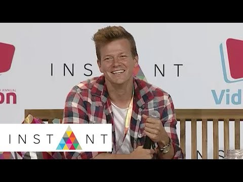 Tyler Ward On T-Swift, Discovering His Sound, Secret Personal Songs & More | VidCon 2017 | INSTANT