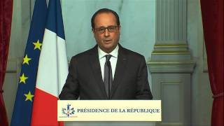 Hollande sieht Frankreich nach den Anschlägen im Krieg