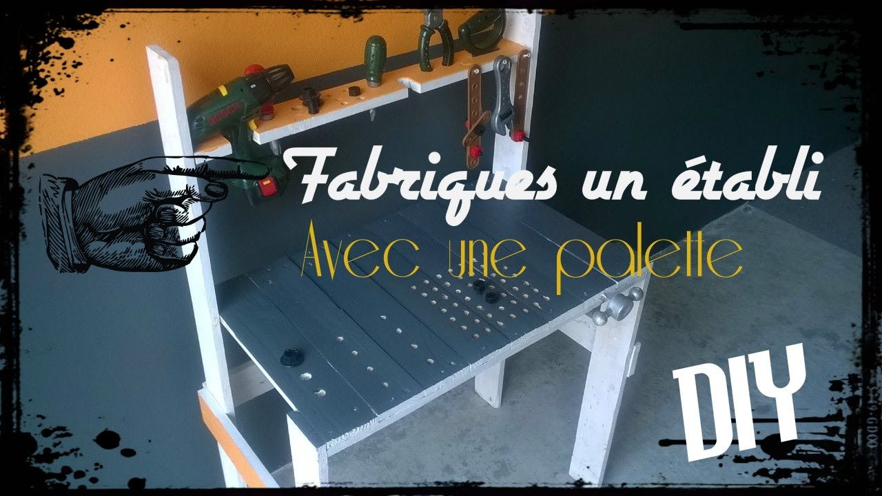 tuto palette fabriquer un tabli pour enfant avec une palette youtube. Black Bedroom Furniture Sets. Home Design Ideas