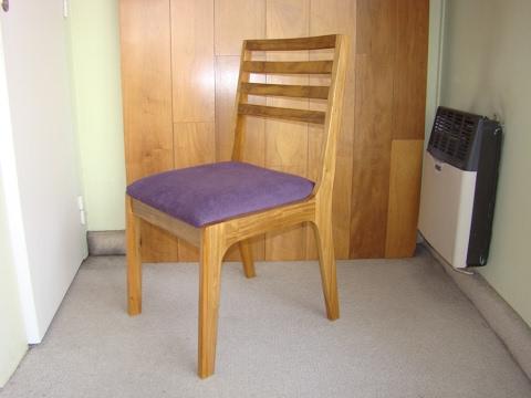 Sillas de madera para interior del for Fabrica de sillas de madera