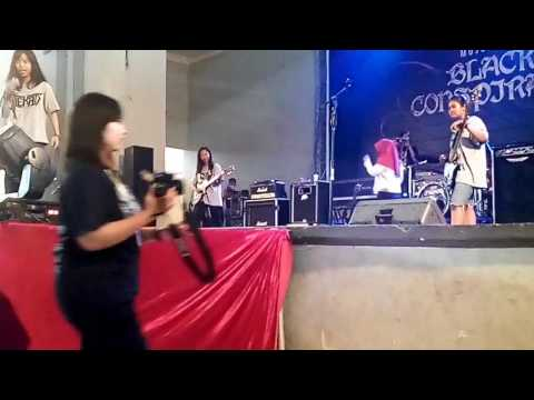 TEKAD FEMALE GRINDCORE LIVE MOJOKERTO BLACK CONSPIRACY#14 from YouTube · Duration:  8 minutes 32 seconds