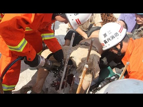 Construction Worker Impales Himself On 2 Meter Long Rods