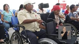 Jornal Acontece - Entrega de Cadeiras de rodas - LIBRAS