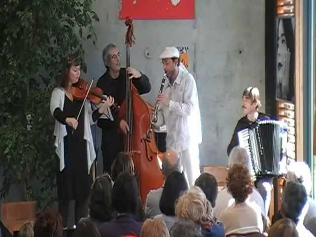 Golden Goy Klezmer -  Chetz Vorno - 10 Travel Video