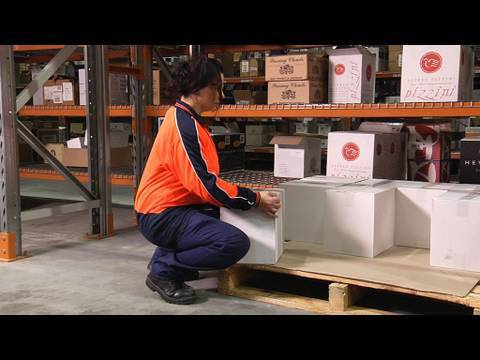 lifting and carrying workplace safety training video 2010 manual handling safetycare youtube. Black Bedroom Furniture Sets. Home Design Ideas