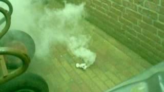 hoe maak je een rookbom?