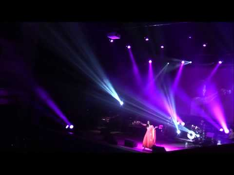 Shreya Ghoshal In Concert Live In Leicester May 2014 Sings NAGADA SANG DHOL