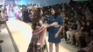 Karishma kapoor in Pune Fashion Week - Season 3 Thumbnail