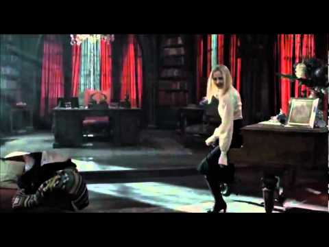 Dark Shadows-Primo Trailer-Al cinema dall'11 maggio