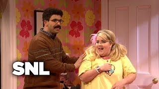 Download An Awkward Slumber Party - SNL Mp3 and Videos