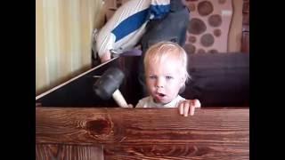 Сборка мебели своими руками всей семьей, от мала до велика.(Сын контролирует качество сборки шкафа., 2016-09-14T19:09:15.000Z)