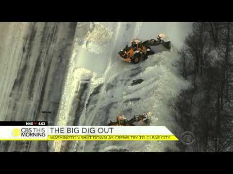 Washington still shut down as crews try to clear snow