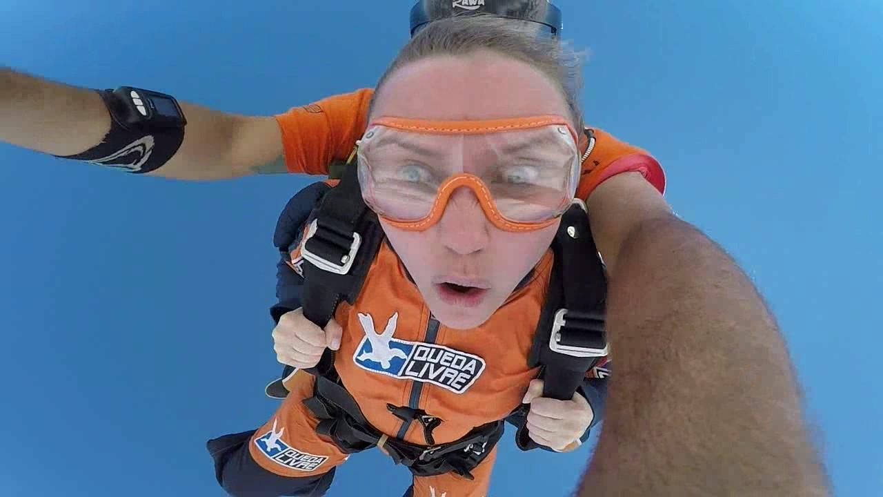 Salto de Paraquedas da Pamela G na Queda Livre Paraquedismo 14 01 2017