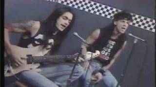 Extreme - More than Words Live - First Time Ever Played on TV