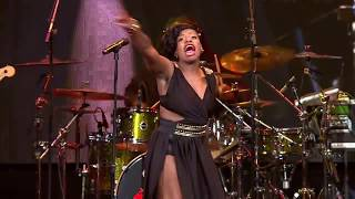 FANTASIA PERFORMS NASTY GIRL AND FABULOUS LIFE COVER AT STEVE HARVEY