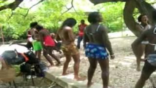 Repeat youtube video After bac yo gouye yo bon.mpg