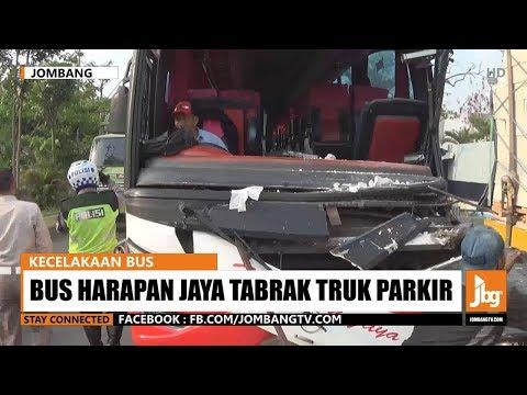 Bus Harapan Jaya Tabrak Truk Parkir, Penumpang Terlempar