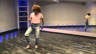 Ирина Антипова - урок 1: видео танец хаус(Преподаватель Model-357 Lab. 357.ru/teachers/irina-antipova-malaya В этом видео уроке включены базовые движения house dance под музыку...., 2011-08-25T23:44:23.000Z)