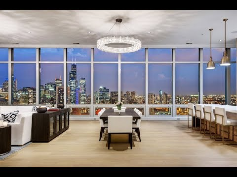 Breathtaking completely renovated top floor penthouse in Chicago
