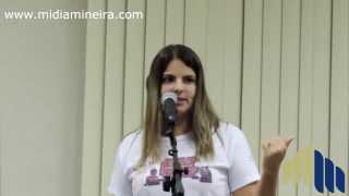 Ana Carolina fala sobre o Primeiro Encontro Internacional de Palhaços em Cataguases