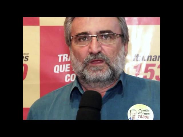 O ex prefeito Sérgio  também faz parte da #família15300