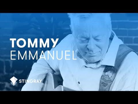 Tommy Emmanuel - Blue Moon ( Live @ PausePlay )