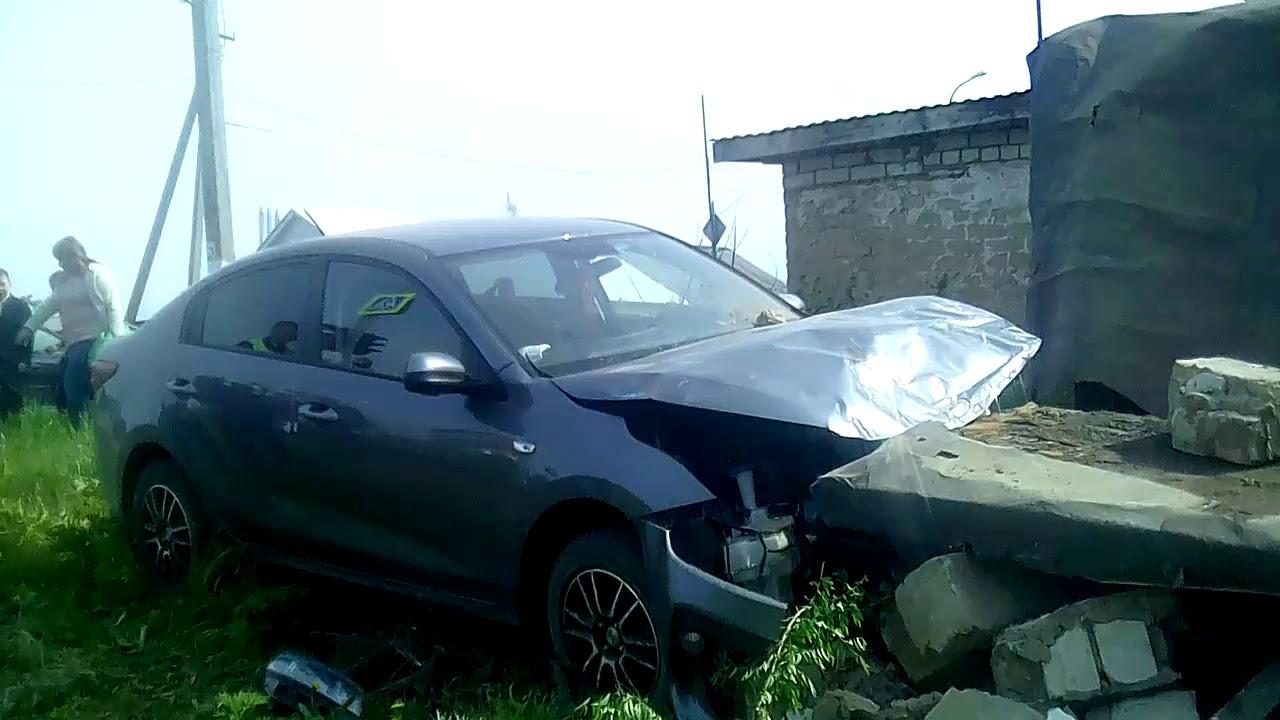 В Похвистнево «KIA» протаранила гараж, водитель в реанимации