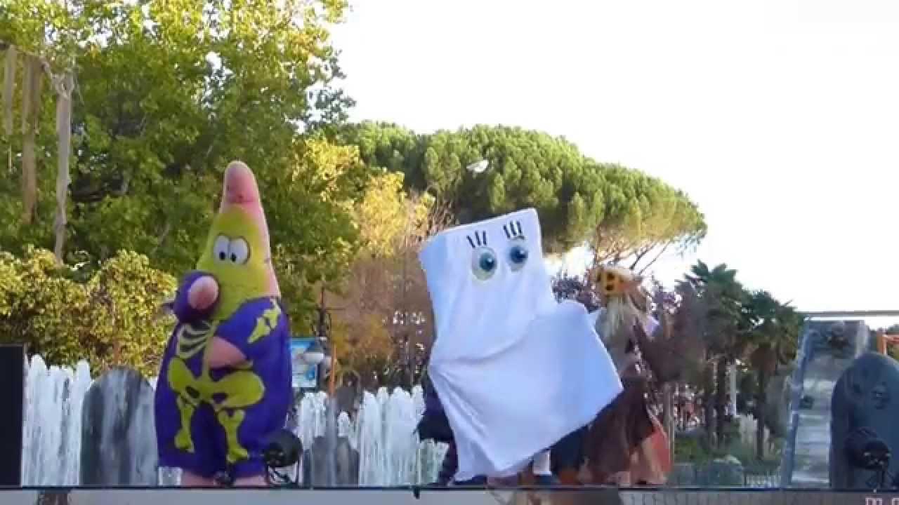 Halloween Bob Esponja  Parque de Atracciones  YouTube