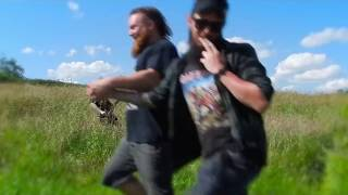 connectYoutube - When You See A Fellow Metalhead In Public
