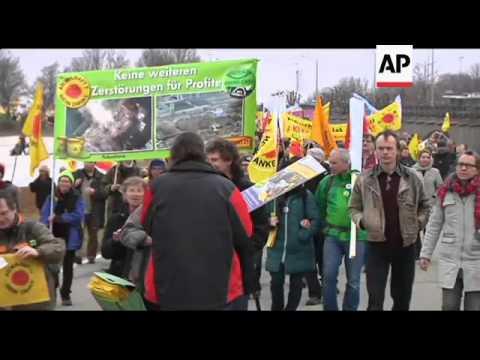 Protesters gather to commemorate Fukushima anniversary