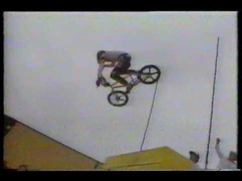 BMX Freestyle 'Mike Dominguez 1984'