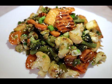 Быстрый и легкий ужин из замороженных овощей с тофу (за 15 минут)