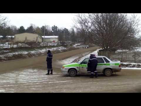 Poliţia de Sîngerei se face de rîs la Pepeni - Curaj.TV