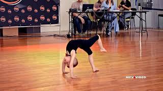 Детский спортивно-акробатический танец 03