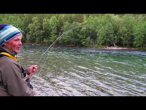 Salmon Fishing With Loop OPTi River 9'8 #7 Single Handed Rod