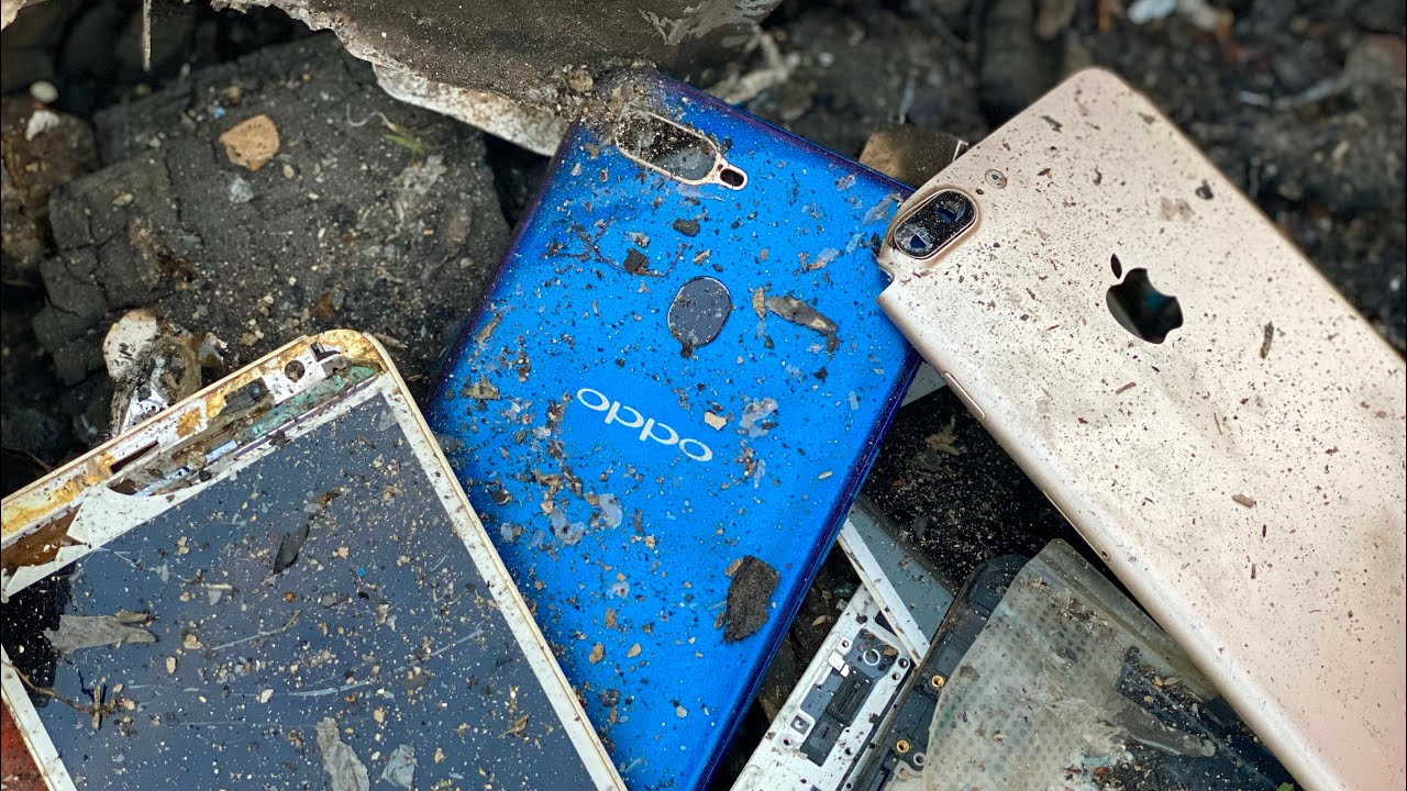 Amazing Restoration phone oppo a5s , Looking For Old smartphones In Trash