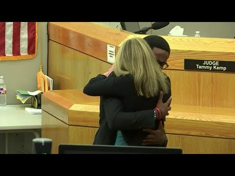 Texas officer sentenced to 10 years for murder