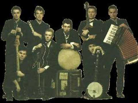 The Pogues-The Irish Rover (Live)