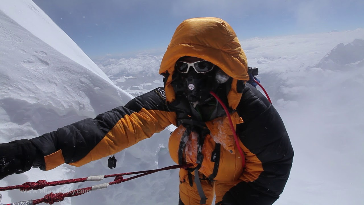 hight resolution of everest the summit climb