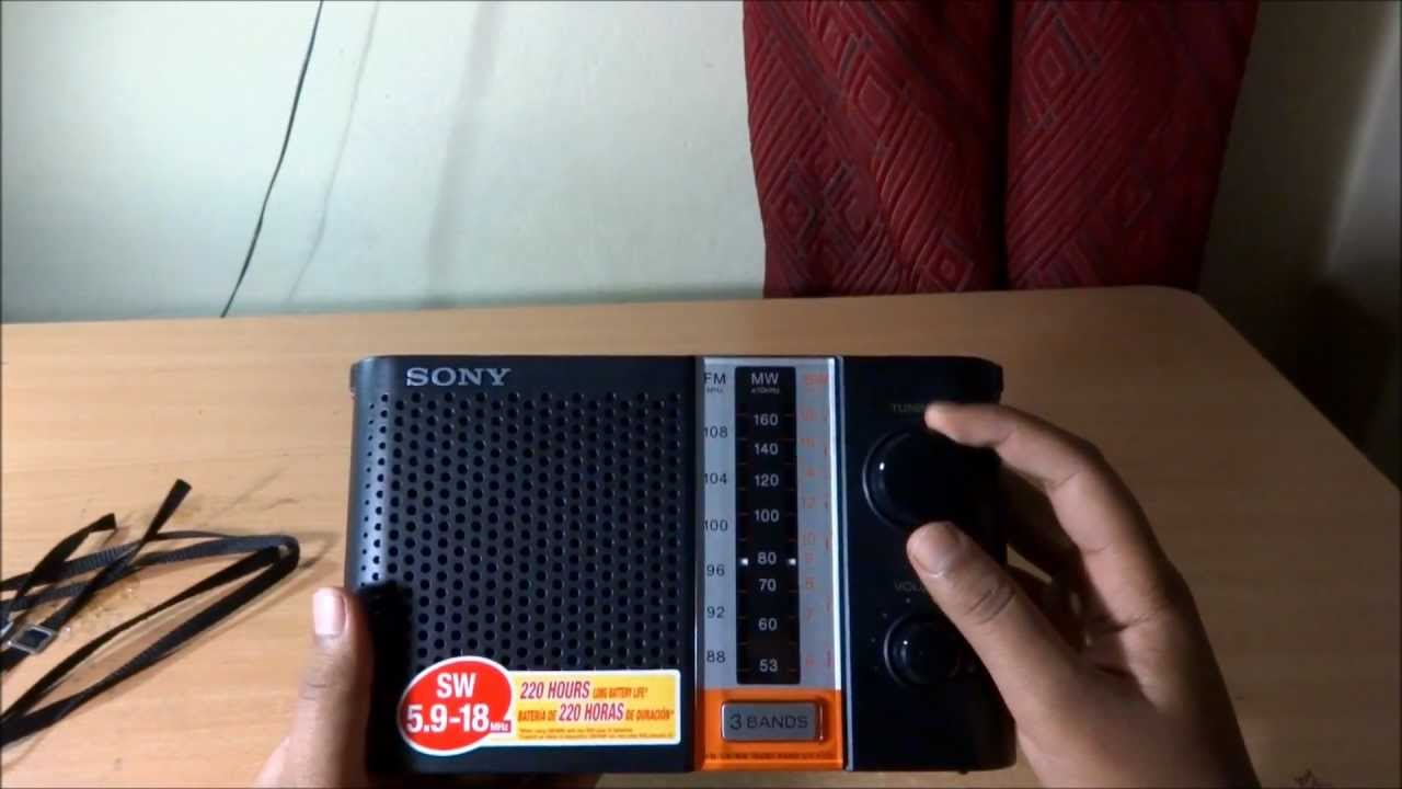 New SONY ICF-P26 Portable AM//FM Radio with Speaker F//S from Japan