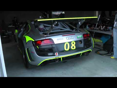 Grand-Am Audi R8 in Garage