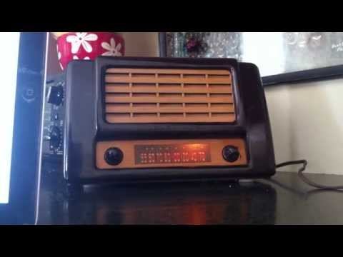 Echo Radio: Vintage Bluetooth/ FM tuner/ MP3 player Radio
