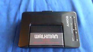 Vintage 1990 Sony Walkman WM-F2015