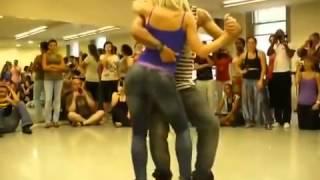 Нереально красивый танец!!! Танец попой!