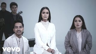 Video Gamaliel Audrey Cantika - Berlari Tanpa Kaki (Official Music Video) ft. TheOvertunes download MP3, 3GP, MP4, WEBM, AVI, FLV Oktober 2017