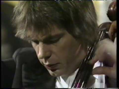Julian Lloyd Webber plays Faure 's Elegy