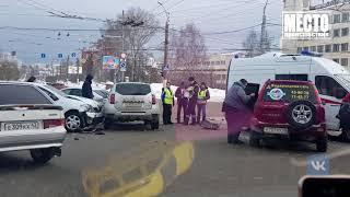 Обзор аварий  ДТП со скорой у Дома печати