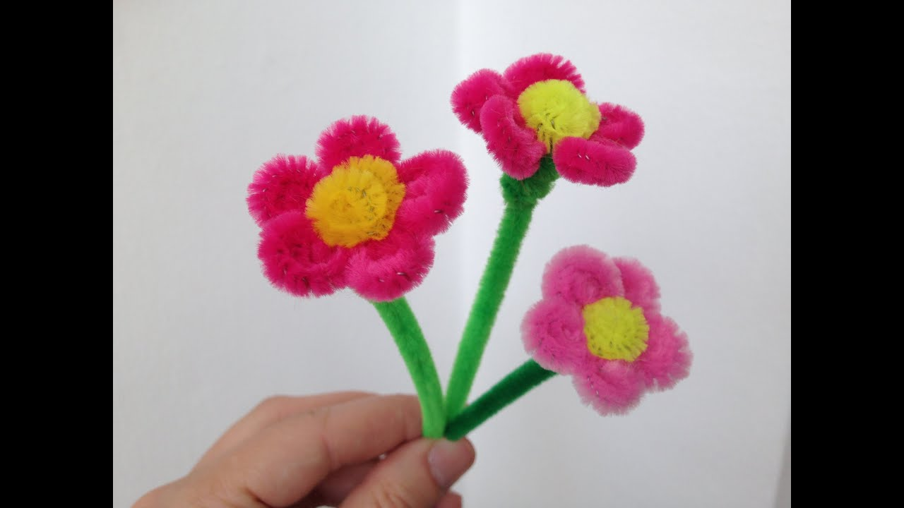 How to make a little pipe cleaner flower doovi for Easter crafts pipe cleaners
