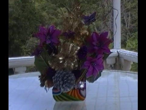 Arreglos florales centros de mesa navide os youtube for Arreglos navidenos para mesa